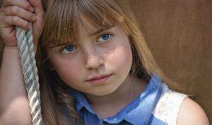 Occhi gonfi: quali sono le cause e i rimedi