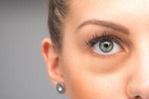 Cos'è la sclera o la parte bianca dell'occhio?