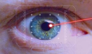 Com'è l'operazione di miopia in Clinica Baviera?