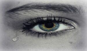 A cosa servono le lacrime artificiali?